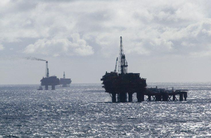 Těžba ropy Brent v Severním moři.